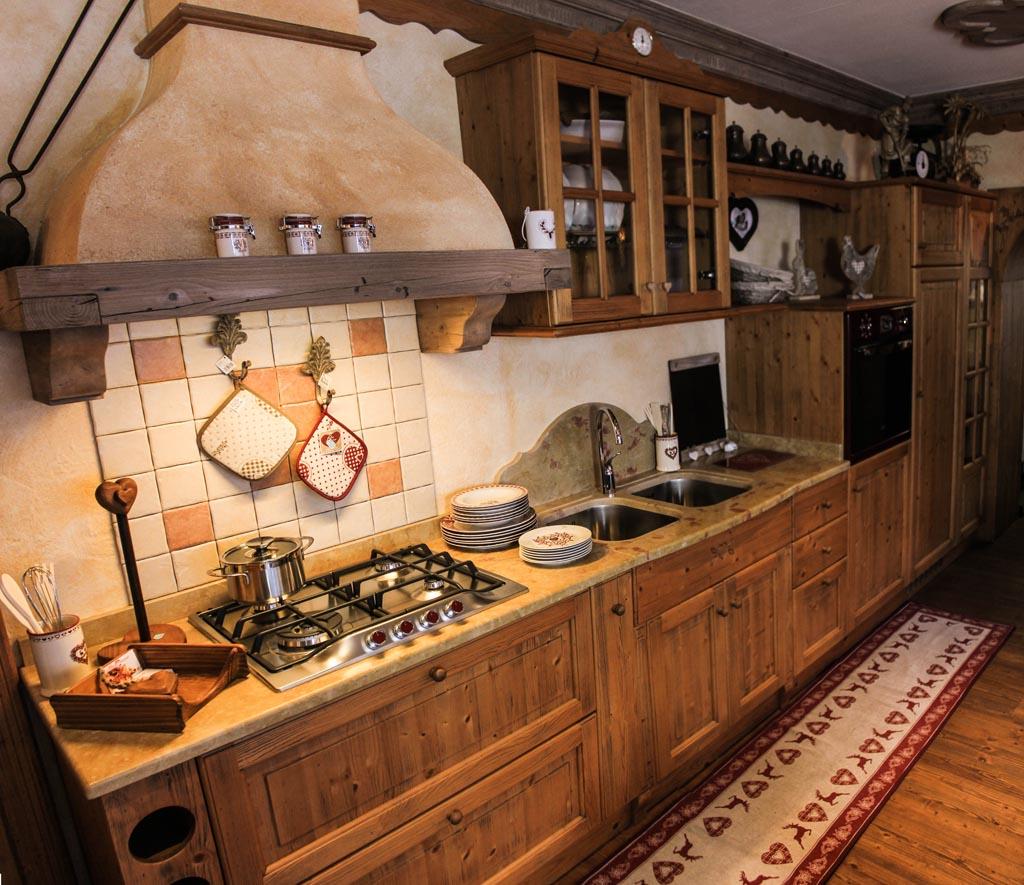Cucine Per Chalet Di Montagna mobili in legno su misura per arredare case in montagna