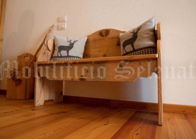 Panchina in legno di abete spazzolato