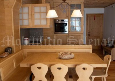 Tavolo da cucina in abete spazzolato