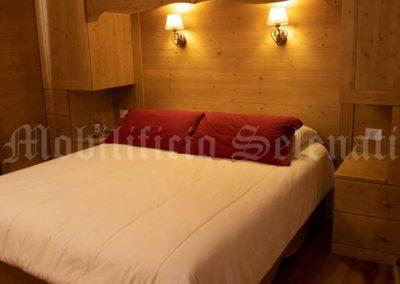 Camera in legno di abete spazzolato